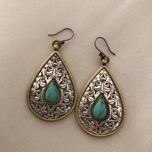 🦋 Lucky Brand Teardrop earrings